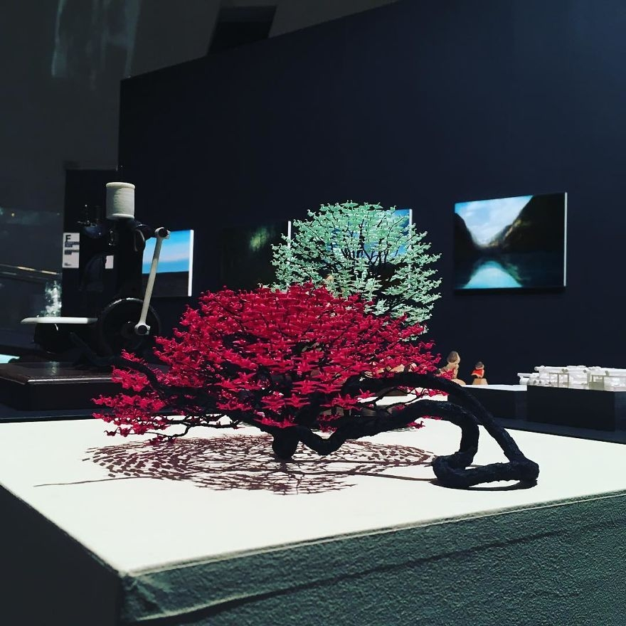 09-Naoki-Onogawa-Tiny-Miniature-Bonsai-Trees-and-Miniature-Origami-Leafs-www-designstack-co