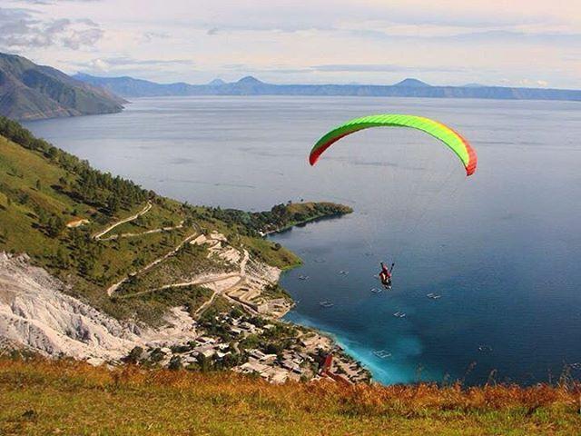 Geopark Kaldera Toba: Paralayang Bukit Beta Danau Toba