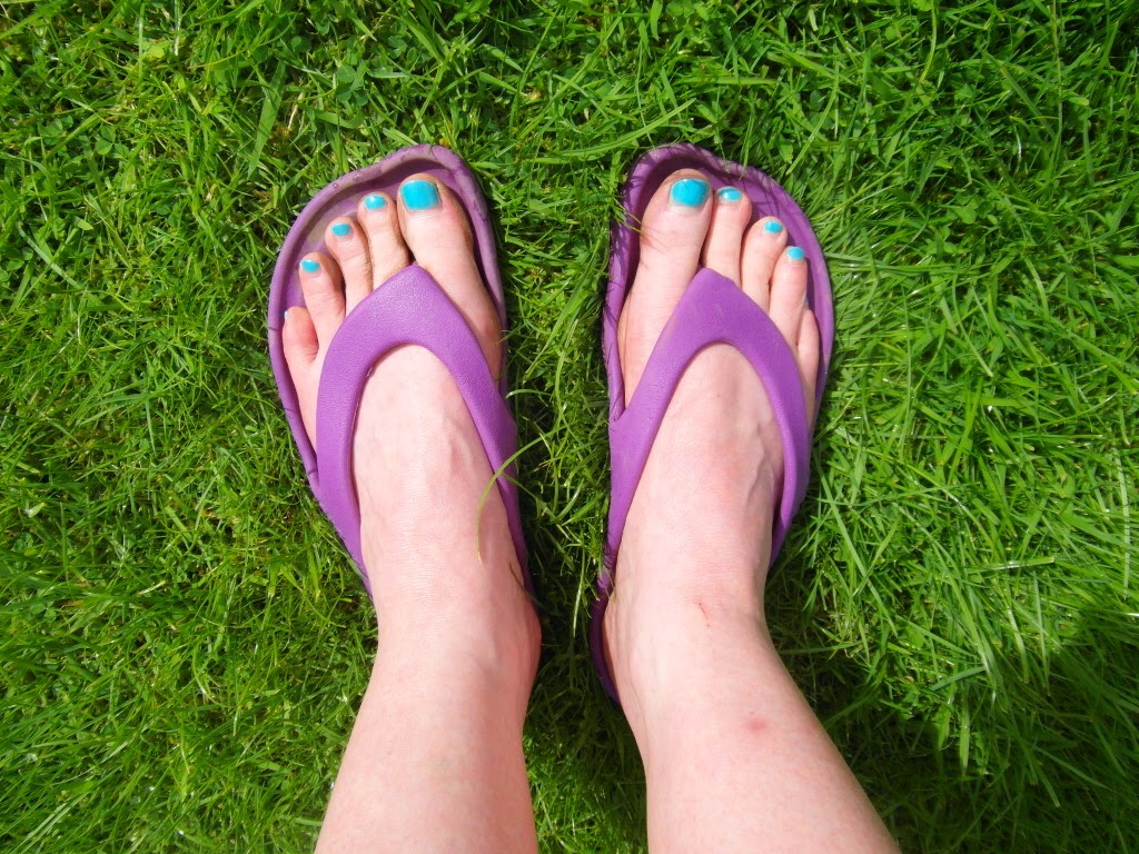 Crocs ABF, feet, flip flops