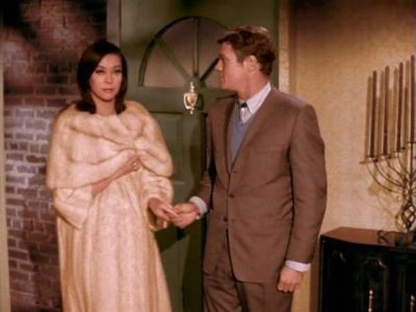 Bewitched - Season 1 Episode 21: Ling Ling