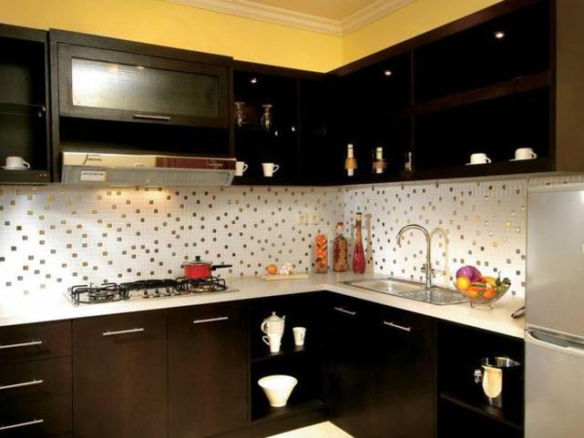Kesan Dapur Maskulin Dengan Mozaik Dan Kabinet Hitam