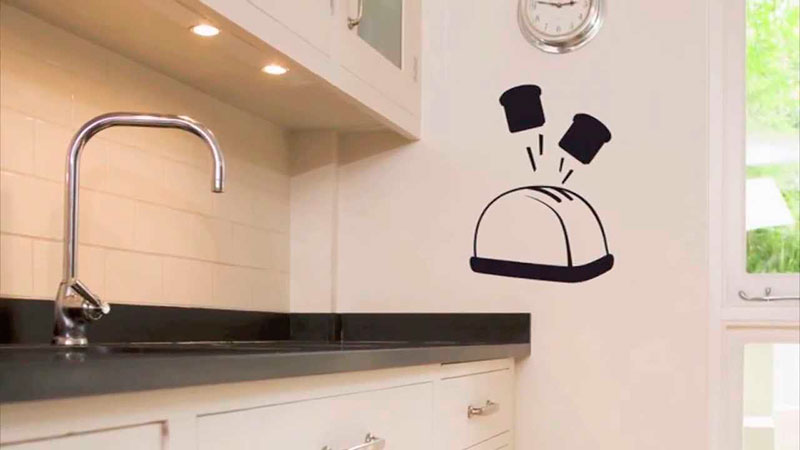 Utiliza vinilos para decorar tu cocina