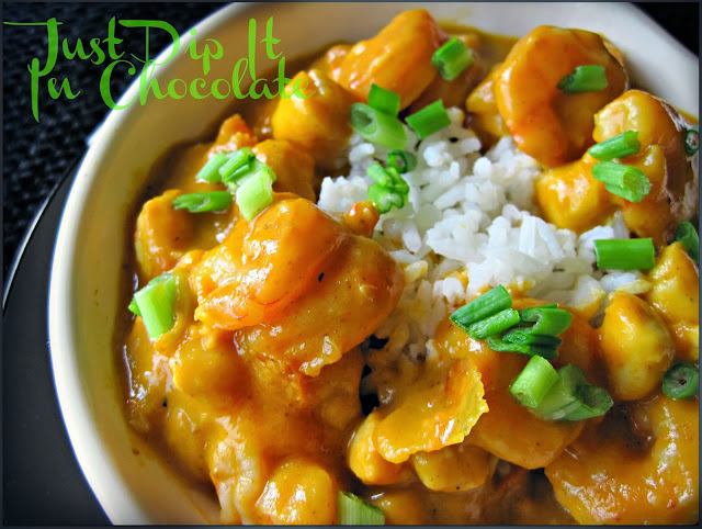 Pumpkin Shrimp and Scallop Curry Recipe, Savory Pumpkin curry is the perfect addition to your Fall #comfortfood line up. Shirmp and scallops bring a nice exotic but affordable touch to this dish. #Fall #curry