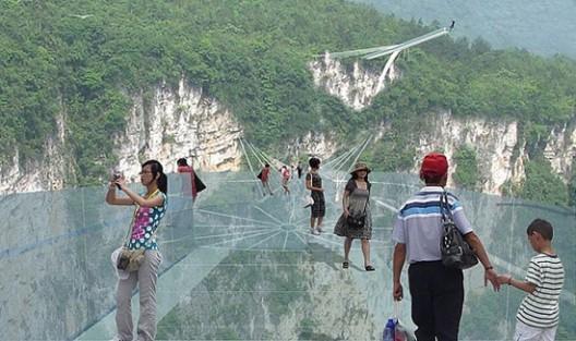Otvara se most od stakla, do sad najveći na svijetu.