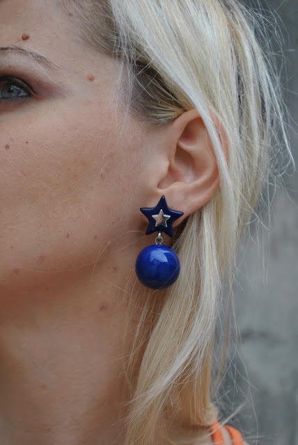orecchini blu outfit blu come abbinare gli orecchini blu orecchini stella accessori estate 2016 orecchini estate 2016 summer earrings blue earrings