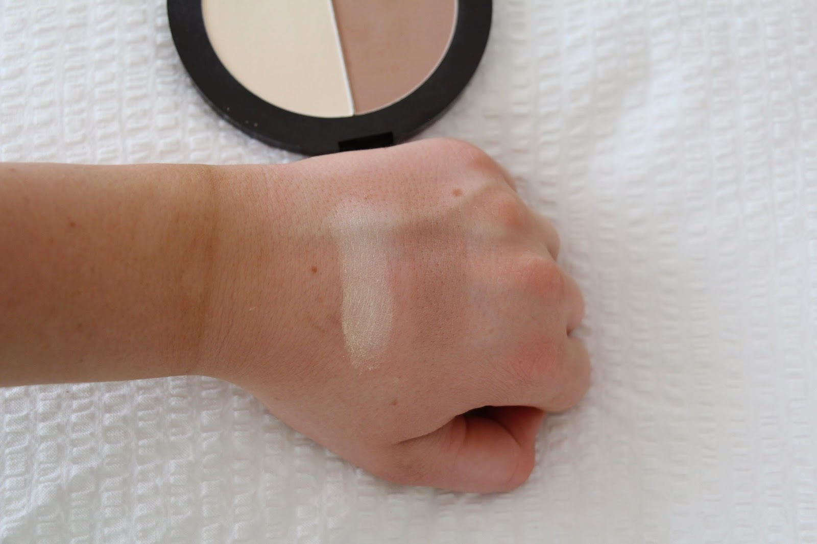 MegaGlo Contouring Palette by Wet n Wild Beauty #20