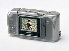 Câmera digital QV-10 da Casio lançada em 1995