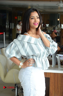 Actress Shweta Basu Prasad Latest Pictures in White Ripped Jeans .COM 0145.JPG