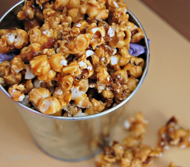 {Simple Homemade} Caramel Corn