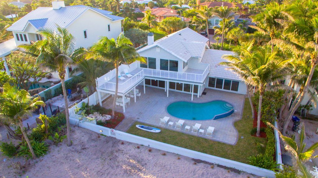 Luxury Beach House Rentals Florida Part - 20: If You Are Looking To Visit Fort Lauderdale With Your Family Members Then  You Must Visit Certain Places Such As Las Olas Beach, The Museum Of  Discovery And ...