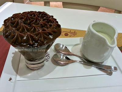 Granulado Café & Bistrô: Tora na Taça Búlgara com Brigadeiro