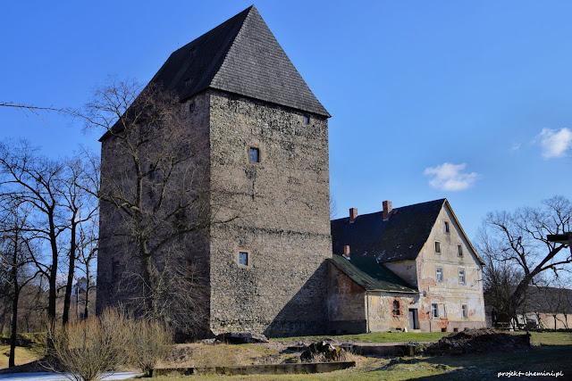 Wieża w Siedlęcinie, widok os strony północnej