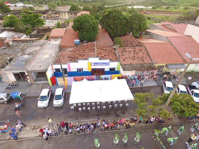 Prefeitura de Piranhas entrega nova creche e carro 0km para Educação Municipal