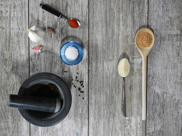 Ciekawe dodatki aranżacyjne, które można wykorzystać podczas projektowania kuchni