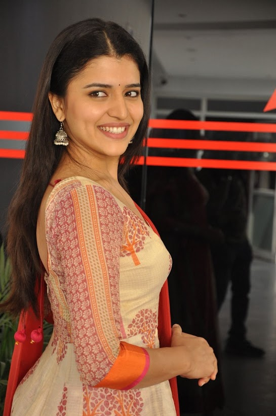 Chitra Shukla stills at Rangula Ratnam Movie Interview