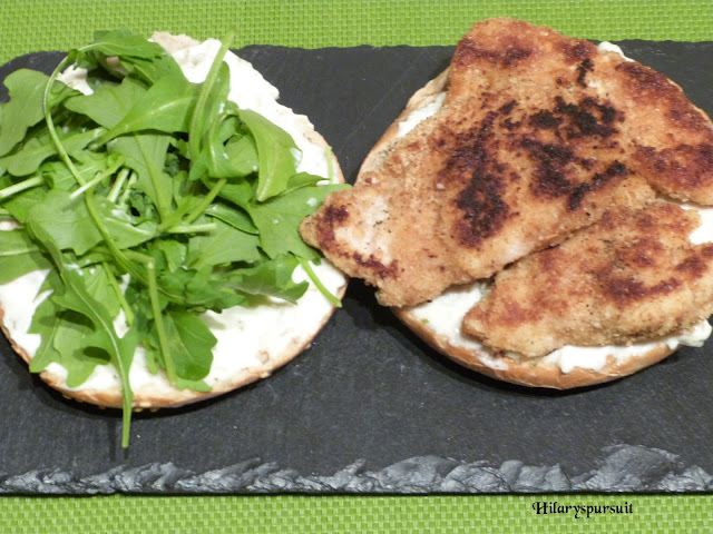 Bagel au poulet pané