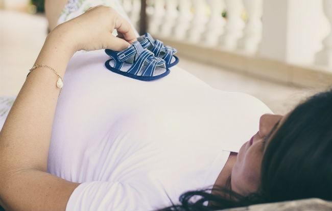 La posizione in cui dormire in gravidanza