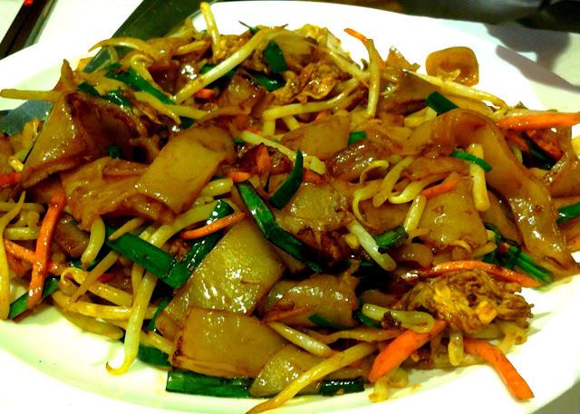 Le Chameau Bleu - Blog Gastronomie et Voyage - Pâte de riz sauté du Restaurant Chinatown Olympiade