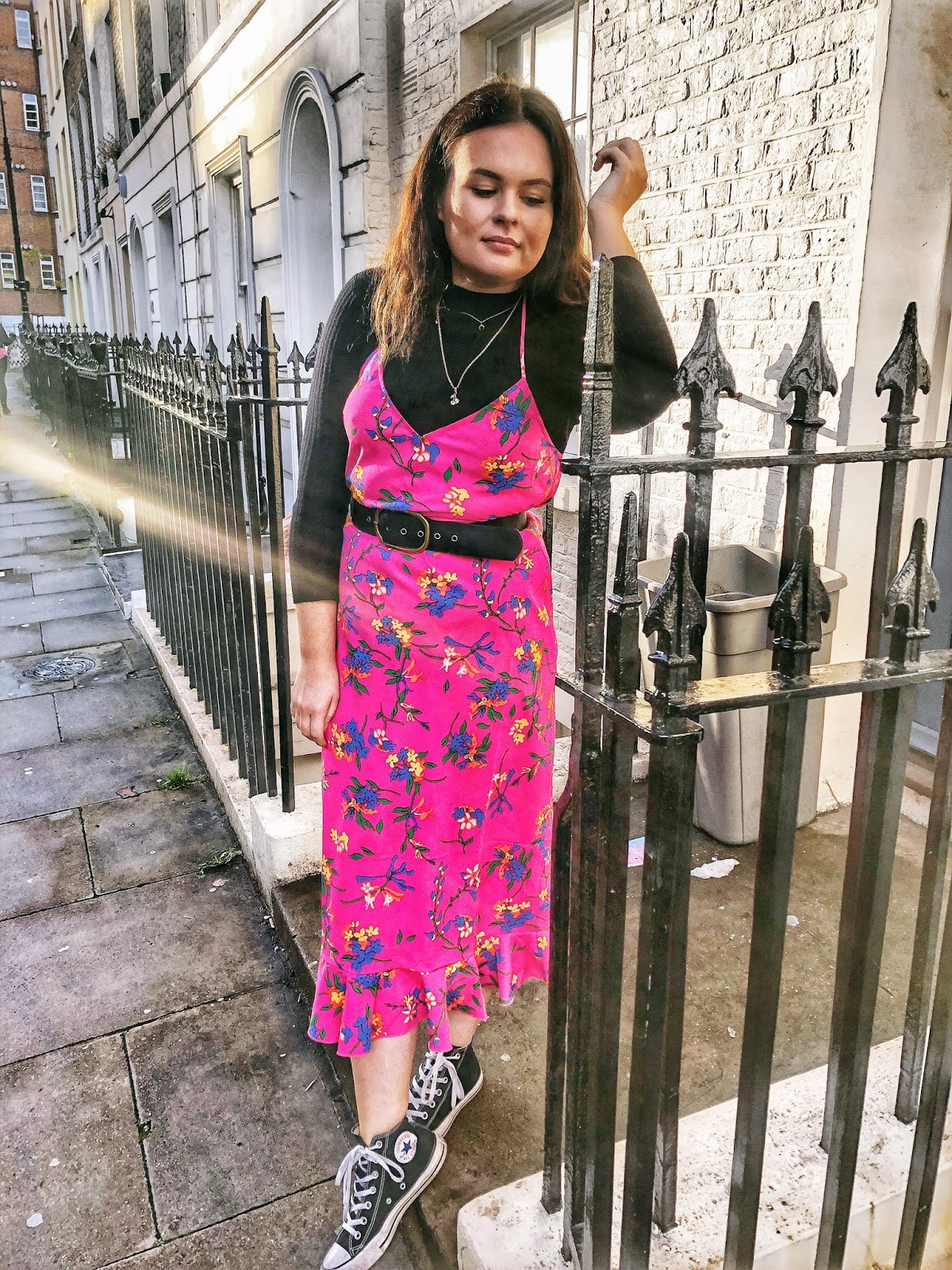 pink floral topshop dress, topshop style, uk blogger, fashion blogger, mental health blogger, blogger backlash, new blogging, new blogger, blogging 2.0