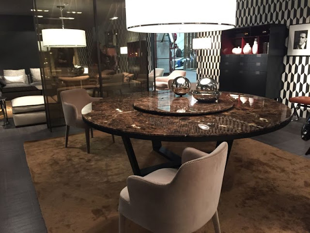 Modern Room with Round Dining Tables Modern Room with Round Dining Tables 3