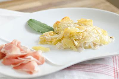 Un tortino di patate e cipolle