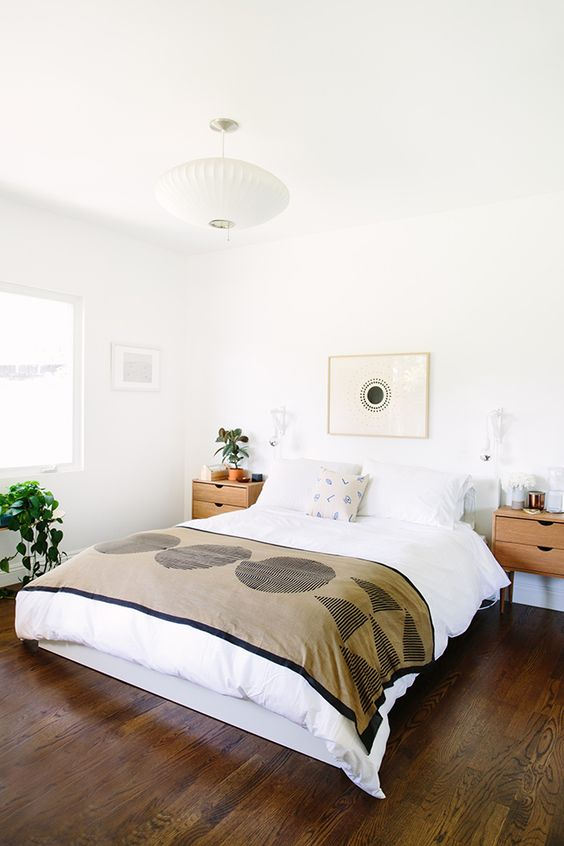 Decorar la cama con cojines, ¿sí o no?