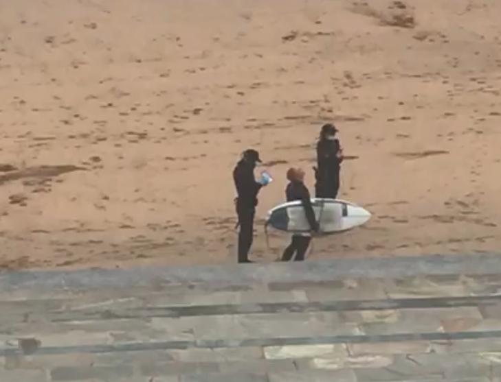 surfista zarautz
