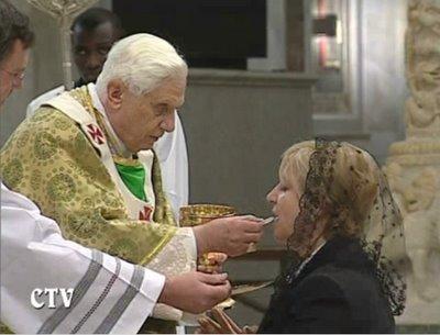 Pope Communion