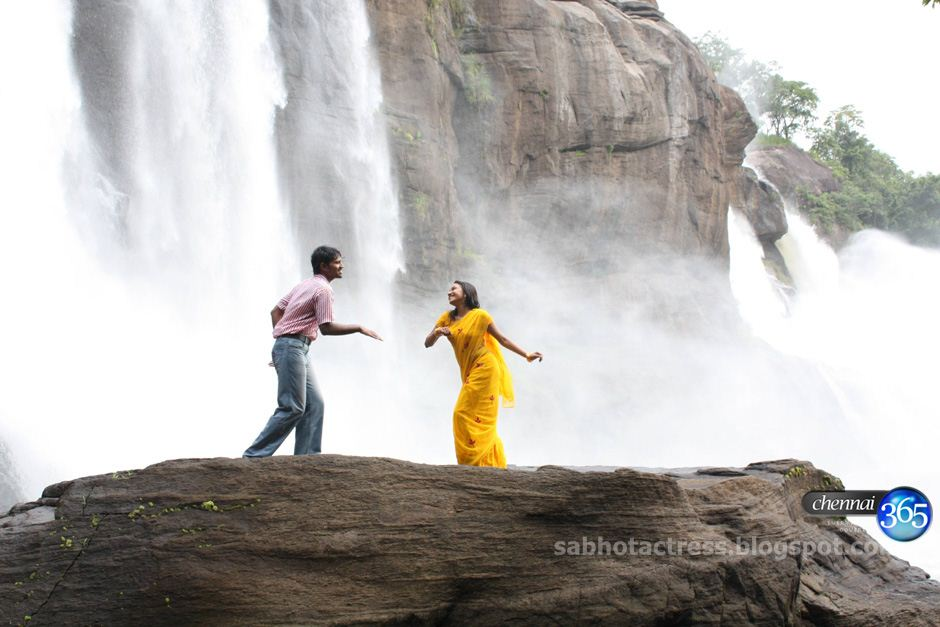 Hot Horny Unni Maya Enjoyed In Wet Yellow Saree