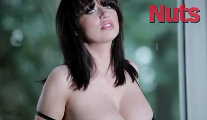 Sophie Howard In Nuts Taxi69 1