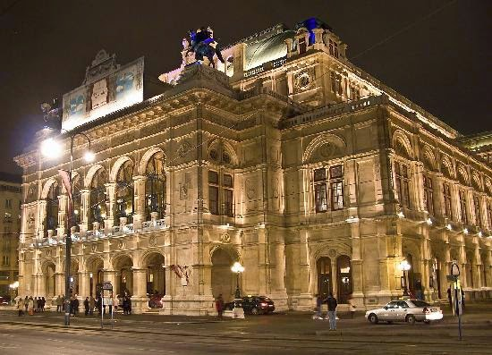 [Resim: state-opera-house-the.jpg]
