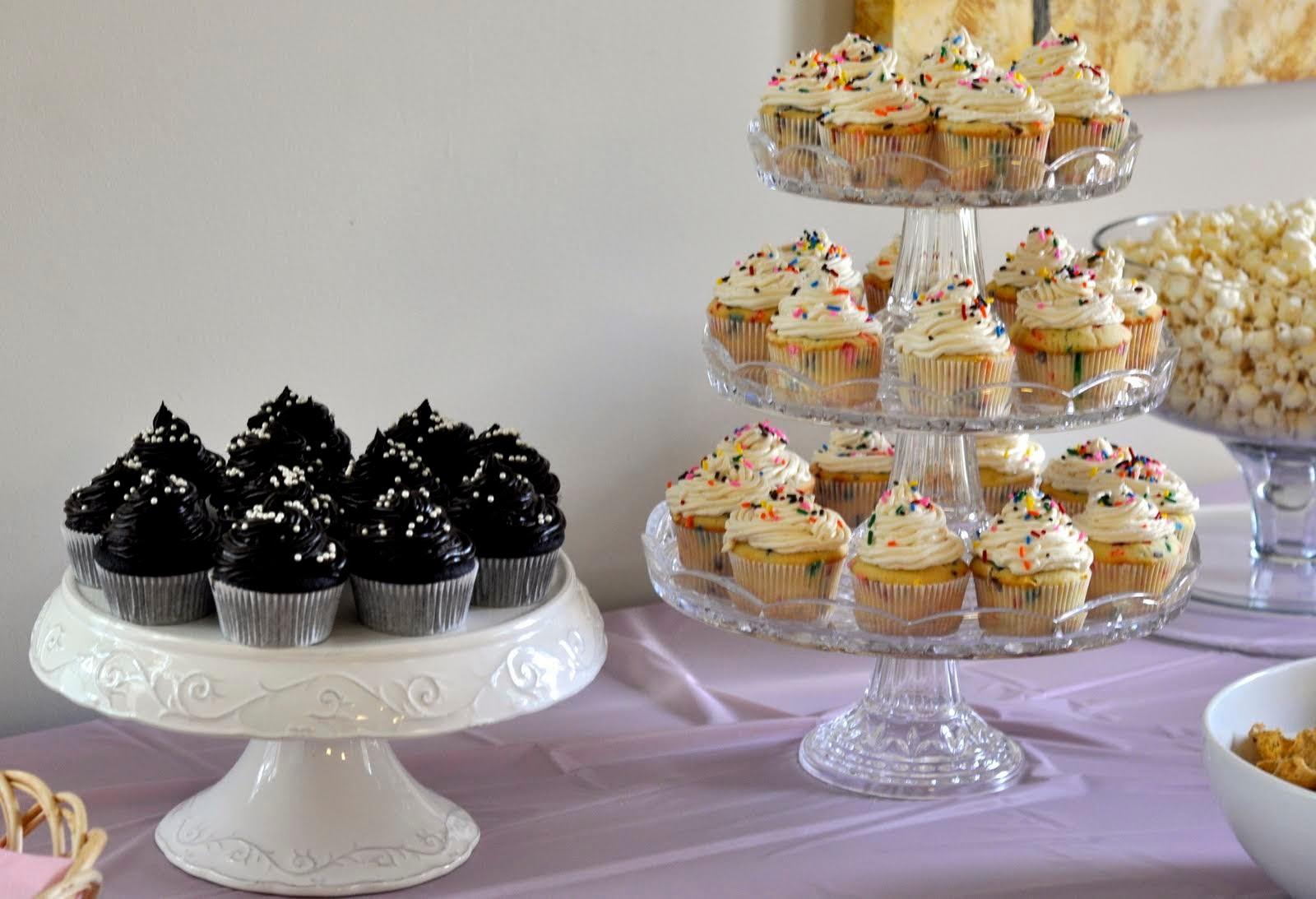 Cupcakes-for-First-Birthday-tasteasyougo.com