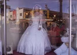 O vestido de noiva mal assombrado