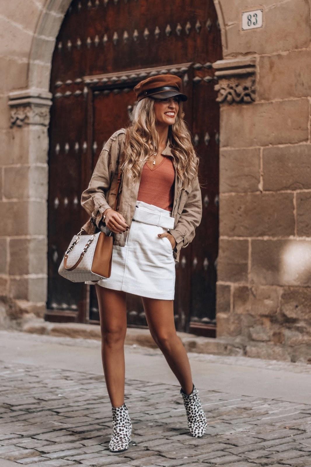 como llevar falda blanca