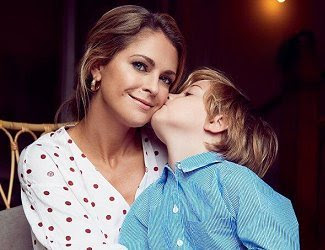 Princess Madeleine wore a floral print blouse by Ganni, midi dress by Chloe, and print midi dress by Dagmar. Princess Leonore in Howtokissafrog. Princess Adrienne in Polarn O. Pyret