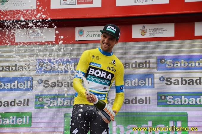 Schachmann refuerza su liderato en la Vuelta al País Vasco
