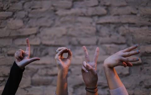 Continue amando a cada um, seja leal, verdadeiro, seja amigo, companheiro.
