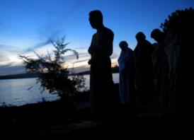 Bacaan Doa Niat Shalat Subuh & Artinya