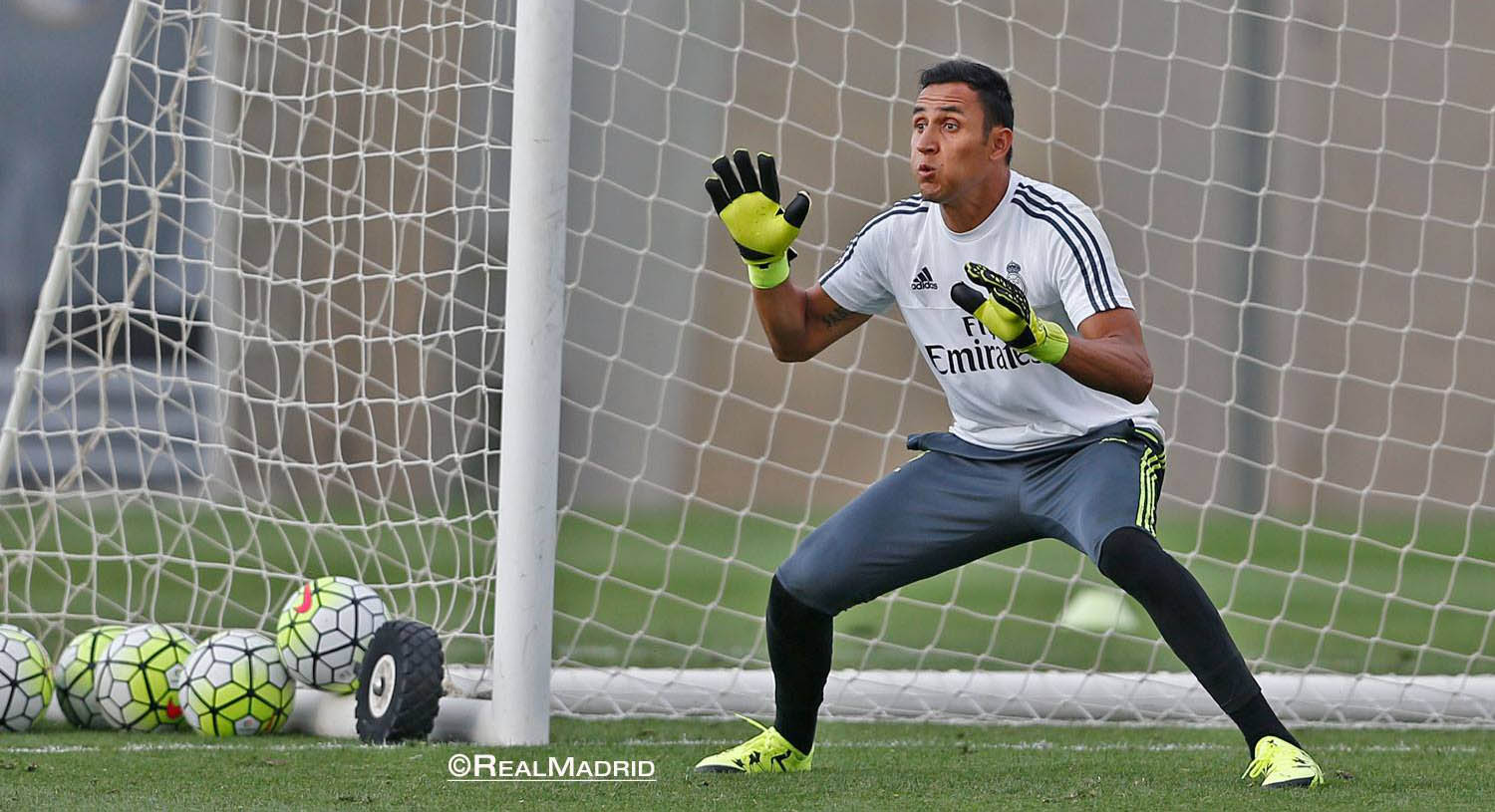 Keylor Navas Trains in Adidas X 15.1 Boots and Adidas Ace Goalkeeper Gloves