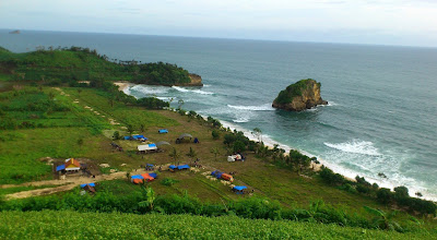 Wisata Pantai Ngudel di Malang