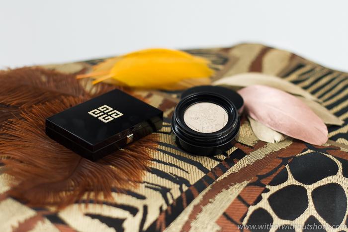 Bouncy Highlighter Givenchy iluminador dorado con textura gelificada para maquillaje efecto dewy
