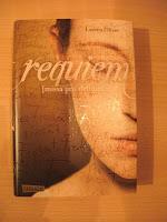 http://steffis-und-heikes-lesezauber.blogspot.de/2014/01/rezension-requiem-amor-trilogie-lauren.html