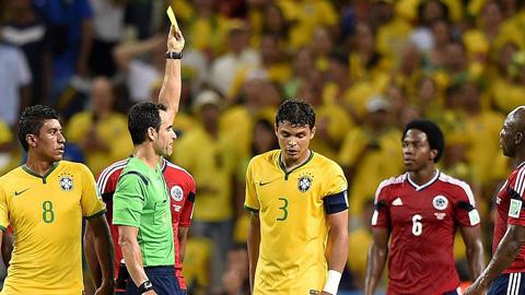 Thiago Silva gặp rất nhiều sai lầm