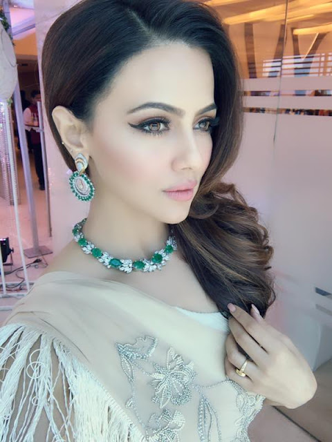 Gorgeous Sana Khan in Reeti Arneja and Jewellery by MiRA by Radhika Jain for an event in Mumbai.