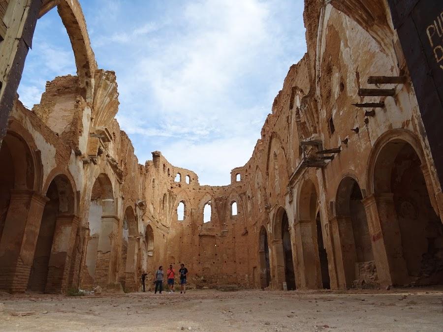 Vista del interior de la Iglesia de San Martín de Tours sin cubierta