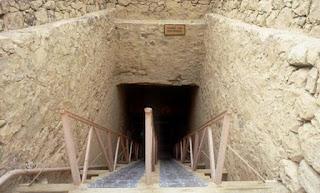 المقبرة رقم 17 بجبَّانة وادي الملوك