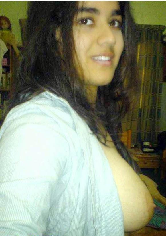 Desi Hairy Pussy Cute Muslim College Girl Nude Boobs-3954