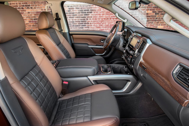 Interior view of 2017 Nissan Titan Endurance V8 SL 4WD Crew Cab