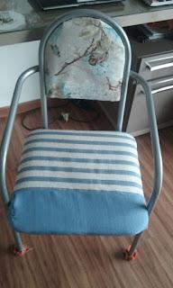"""Cadeira de """"roupa"""" nova!"""