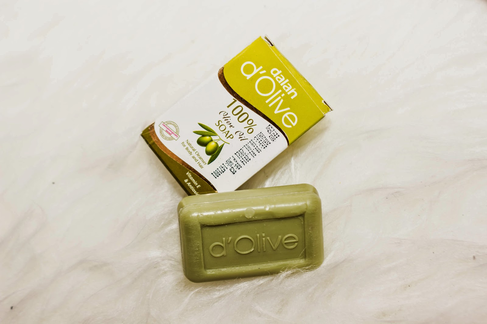 D' OLIVE - Mydło do ciała i do włosów - 100% oliwa z oliwek / cena 10,00 zł / 150 g /